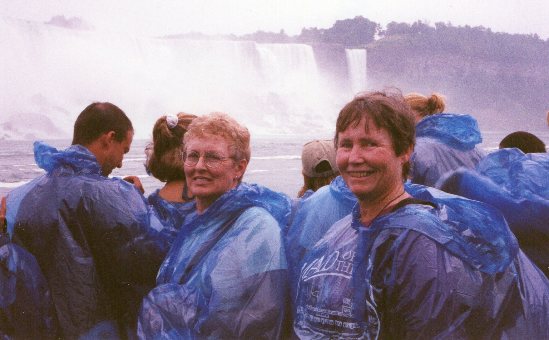 2CANNiagara Falls