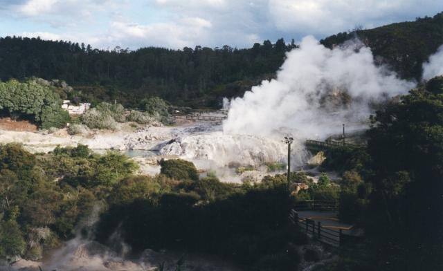 NZ1 geysers (640x392)