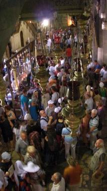 31 Crowded pilgrims