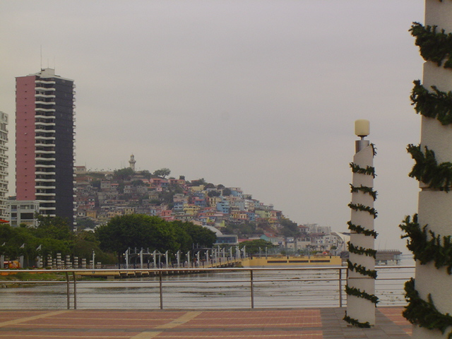 EMGuayaquil hill